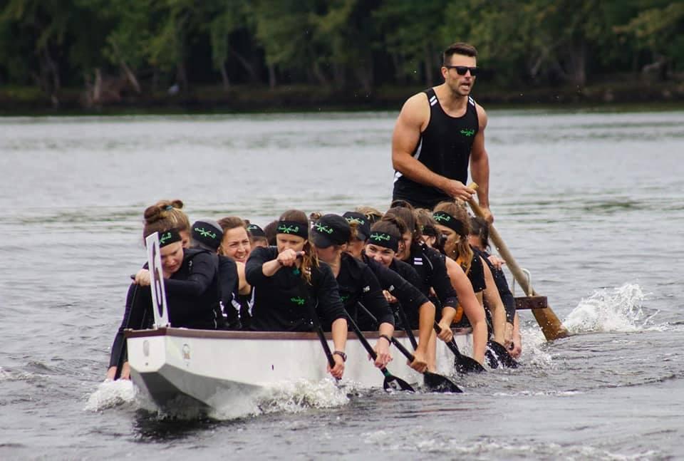 Image de l'équipe Waverns en action lors d'une compétition